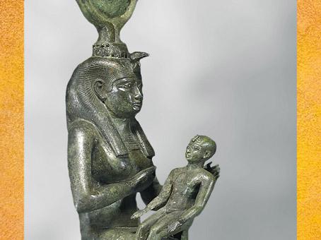 D'après la déesse Isis allaitant Horus, bronze, incrustations argent, VIIe siècle avjc, Basse Époque, Égypte ancienne. (Marsailly/Blogostelle)