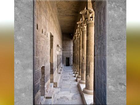 D'après l'enfilade du temple d'Isis de Philae, XXXe dynastie-époque romaine, Aguilkia, Assouan,Égypte Ancienne. (Marsailly/Blogostelle)