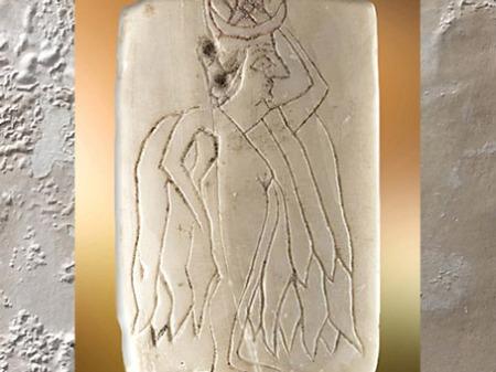D'après la déesse Ishtar, dévoilant sa nudité, plaque de coquille gravée, vers 2500 avjc, Mari, Tell Hariri, Syrie, Mésopotamie. (Marsailly/Blogostelle)
