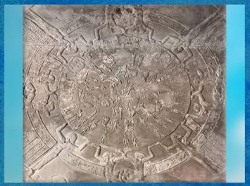 D'après le zodiaque de Dendéra, carte du Ciel, 15 juin - 15 août, vers 50 avjc, dalle sculptée dans le grès, temple d'Hathor, époque Ptolémaïque, Égypte Ancienne. (Marsailly/Blogostelle)