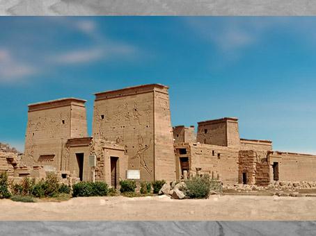 D'après le temple d'Isis de Philae et ses pylônes, XXXe dynastie-époque romaine, île d'Aguilkia, Assouan, Égypte Ancienne. (Marsailly/Blogostelle)