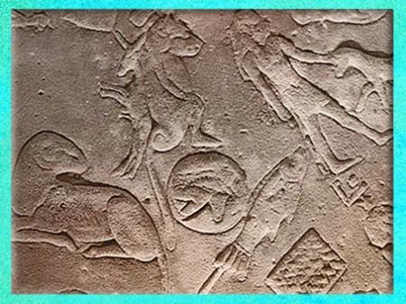 D'après l'œil oudjat d'Horus, entre le Bélier et le Poisson, éclipse lunaire du 25 septembre, 52 avjc, zodiaque de Dendéra, détail, grès, temple d'Hathor, époque Ptolémaïque, Égypte Ancienne. (Marsailly/Blogostelle)