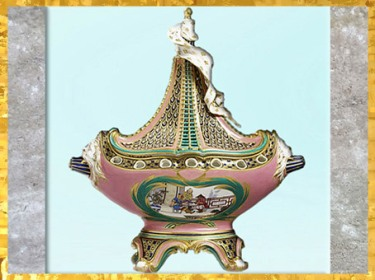 D'après un pot-pourri vaisseau à mât, de Charles-Nicolas Dodin, selon Jean-Claude Duplessis, porcelaine tendre et dorure, manufacture de Sèvres, XVIIIe siècle France, période Rocaille. (Marsailly/Blogostelle)