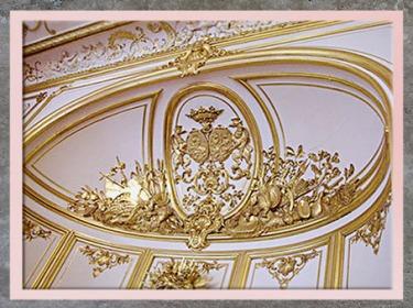 D'après des motifs décoratifs, dorures sur fond blanc, style Rocaille, XVIIIe siècle, France. (Marsailly/Blogostelle)