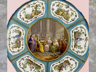 D'après le guéridon pour Madame du Barry, plateau, 1774, de Martin Carlin, peintures de Charles-Nicolas Dodin sur porcelaine de Sèvres, XVIIIe siècle, France, période Rocaille. (Marsailly/Blogostelle)