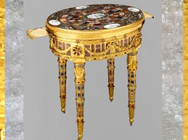 D'après la table de Breteuil, dite aussi de Teschen, de Johann Christian Neuber, 1780, cadeau au Baron de Breteuil, France, XVIIIe siècle. (Marsailly/Blogostelle)