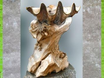 D'après un bénitier, de Jean-Baptiste Pigalle, église Saint-Sulpice, Paris, France, XVIIIe siècle, style Rocaille. (Marsailly/Blogostelle)