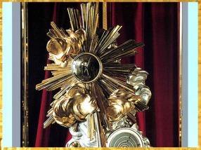 D'après La Pendule de la création du monde, de François-Thomas Germain, 1754, bronze argenté et doré, époque Louis XV, Versailles, XVIIIe siècle. (Marsailly/Blogostelle)