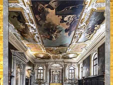 D'après la Vierge du Carmel et saint Simon Stock, de Giovanni Battista Tiepolo, vers 1746 – 1749, plafond peint de la Scuola dei Carmini, Venise, XVIIIe siècle. (Marsailly/Blogostelle)