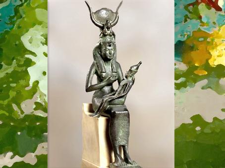D'après la déesse Isis, grande divinité égyptienne protectrice de la vie. (Marsailly/Blogostelle)