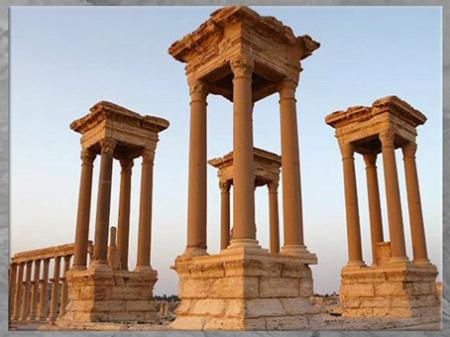 D'après les vestiges antiques de la cité de Palmyre, Tétrapyle, Ier-IIIe siècle, Syrie (Marsailly/Blogostelle)