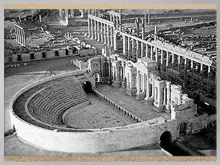 D'après l'amphithéâtre romain, vestiges de la cité de Palmyre, Ier-IIIe siècle, Syrie. (Marsailly/Blogostelle)