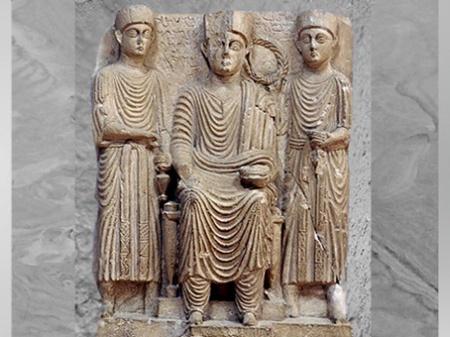 D'après des prêtres, temple de Nabû, haut-relief, cité de Palmyre, Ier-IIIe siècle, Syrie. (Marsailly/Blogostelle)