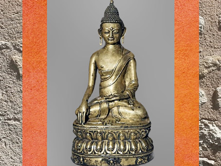 D'après une statue tibétaine, Tonpa Shenrab, socle à  frise de nagas et svastika, cuivre doré et argent, XVe-XVIe siècle, Extrême-Orient. (Marsailly/Blogostelle)