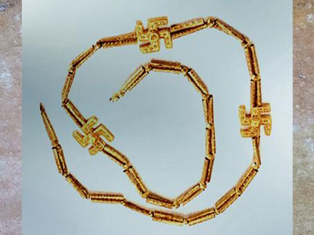 D'après un collier à décor de svastikas, Ier millénaire avjc, Kaluraz, Gilan, Iran ancien. (Marsailly/Blogostelle)