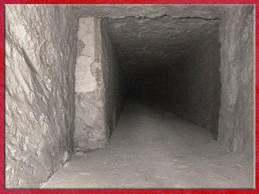 D'après la pyramide de Khéops, corridor, vers 2930-2750 avjc, IVe dynastie, Ancien Empire, Saqqara, plateau de Gizeh, Égypte Ancienne. (Marsailly/Blogostelle)