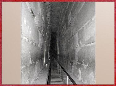 D'après la pyramide de Khéops, grande galerie, vers 2930-2750 avjc, IVe dynastie, Ancien Empire, Saqqara, plateau de Gizeh, Égypte Ancienne. (Marsailly/Blogostelle)