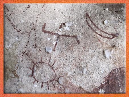 D'après un svastika, symbole cosmique, avec Soleil et Lune, peinture rupestre, ocre rouge, Changthang, Tibet. (Marsailly/Blogostelle)