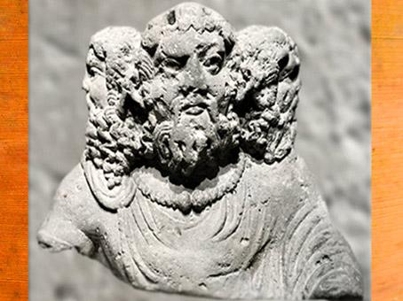 D'après le dieu gaulois Cernunnos, à trois têtes, buste sculpté, IIe siècle apjc, Aquitaine, Gaule Romaine. (Marsailly/Blogostelle)