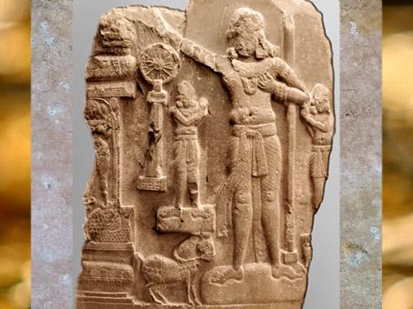 D'après le Souverain Universel, Chakravartin, Ier siècle avjc-Ier siècle apjc, Amarâvatî, Andhra Pradesh, Inde ancienne. (Marsailly/Blogostelle)