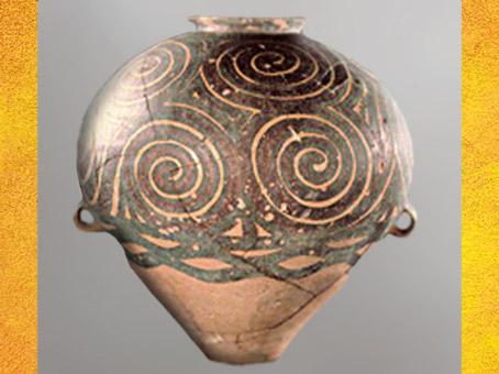D'après une poterie peinte, à motifs de spirale, culture Majiayao, Gansu, période Néolithique, Chine ancienne. (Marsailly/Blogostelle)