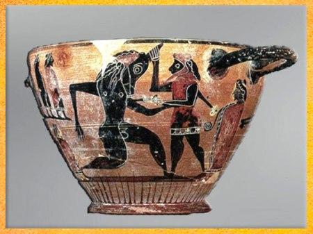 D'après Thésée tuant le Minotaure, vase à boire (skyphos), céramique à figures noires, vers 550 avjc, Béotie, Grèce antique. (Marsailly/Blogostelle)