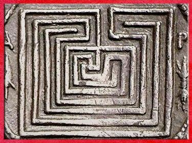 D'après un labyrinthe, statère de Cnossos, argent, détail, vers 350-325 avjc, IVe siècle avjc, Crète. (Marsailly/Blogostelle)