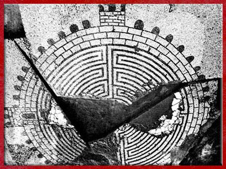 D'après le labyrinthe de Thysdrus, mosaïque romaine, IIIe siècle, art antique, El Jem, Tunisie. (Marsailly/Blogostelle)