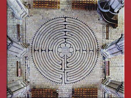 D'après le labyrinthe de la cathédrale de Chartres, 1193-1220, XIIe-XIIIe siècle, style gothique, art Médiéval. (Marsailly/Blogostelle)