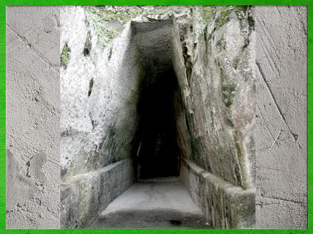 D'après l'Antro della Sibilla, galerie militaire antique, fin IVe -début IIIe siècle avjc, Cumes, Italie. (Marsailly/Blogostelle)