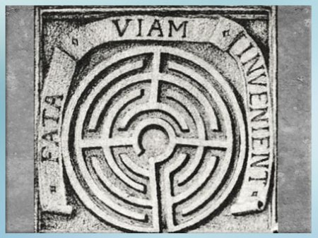 D'après le Labyrinthe de Salomon, illustration de Julien Champagne, château de Dampierre-sur-Boutonne, Les Demeures Philosophales, Fulcanelli. (Marsailly/Blogostelle)