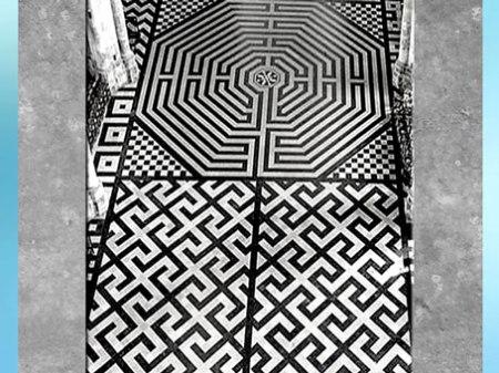 D'après le labyrinthe d'Amiens, et motifs du svastika, 1270, cathédrale Gothique, XIIIe siècle, France, période médiévale. (Marsailly/Blogostelle)