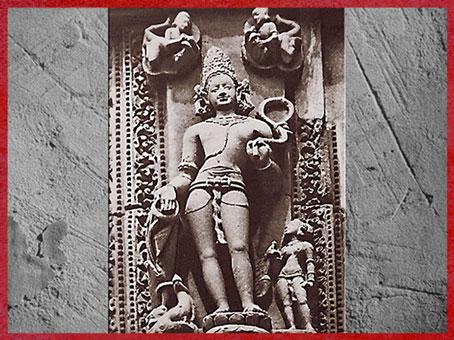 D'après le dieu védique Varuna, maître des liens et de la magie, relief sculpté, XIe siècle, Bhubaneswar, Orissa, période médiévale. (Marsailly/Blogostelle)