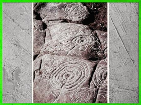 D'après une série de labyrinthes, gravures rupestres, Espagne, vers 1800 - 750 avjc, âge du Bronze. (Marsailly/Blogostelle)