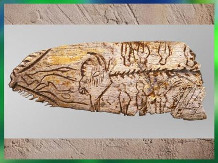 D'après une pendeloque bison, os gravé, vers 12 000-10 000 ans avjc, Magdalénien, abri sous roche Raymonden, Chancelade, Dordogne, paléolithique supérieur. (Marsailly/Blogostelle)