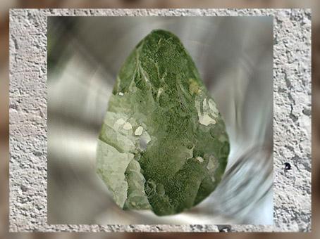 D'après un biface moustérien, silex taillé, paléolithique moyen. (Marsailly/Blogostelle)