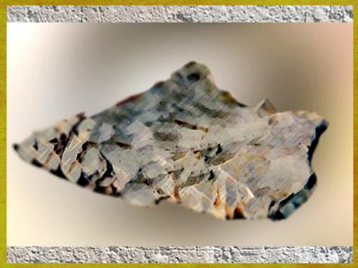 D'après des racloirs, de forme plate, silex taillé, moustérien, paléolithique moyen. (Marsailly/Blogostelle)
