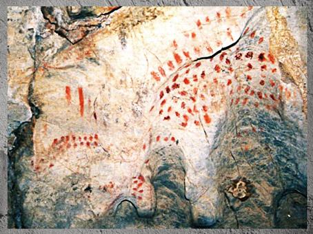 D'après des compositions de points, peintures rupestres, Cueva del Pindal, vers 13 000 - 18 000  avjc, magdalénien, Espagne, paléolithique supérieur. (Marsailly/Blogostelle)