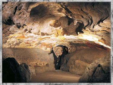 D'après la grotte de Lascaux, vers 18 000 -10 000 avjc, Magdalénien, Dordogne, paléolithique supérieur. (Marsailly/Blogostelle)