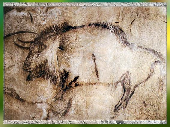 D'après un bison et flèche, grotte de Niaux, vers 14 000 -12000 avjc, Margdalénien, Ariège, France, paléolithique supérieur. (Marsailly/Blogostelle)