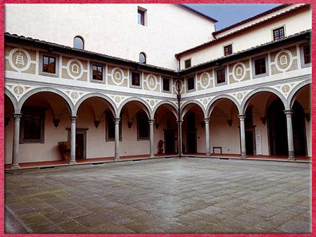D'après l'Hôpital des Innocents, cour des hommes, Filippo Brunelleschi,1419-1428, Florence, XVe siècle, Quattrocento, Renaissance italienne. (Marsailly/Blogostelle)