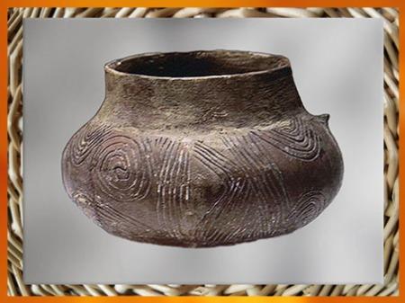 D'après une poterie à décor incisé, Ve millénaire avjc,  néolithique. (Marsailly/Blogostelle)