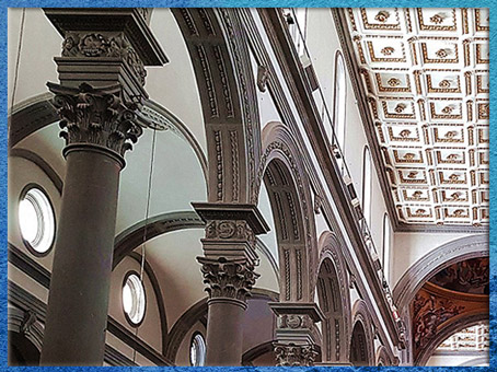 D'après l'église San Lorenzo, reconstruction de Filippo Brunelleschi, pietra serena et murs blancs, 1419, Florence, XVe siècle, Quattrocento, Renaissance italienne. (Marsailly/Blogostelle)