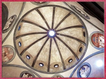 D'après Vieille sacristie San Lorenzo, ogives en ombrelle et oculi, chapelle Médicis, Filippo Brunelleschi, 1420-1428, Florence, Quattrocento, Renaissance italienne. (Marsailly/Blogostelle)