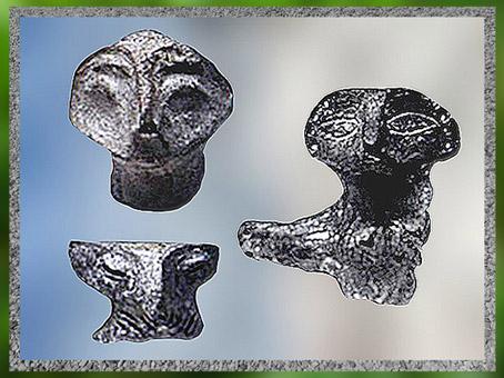 D'après des statuettes, figures aux traits stylisés, terre cuite, vers 5000 avjc, Bulgarie, néolithique. (Marsailly/Blogostelle)