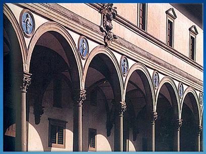 D'après l'Hôpital des Innocents, arcades et entablement en façade, Filippo Brunelleschi, 1419-1428, Florence, XVe siècle, Quattrocento, Renaissance italienne. (Marsailly/Blogostelle)