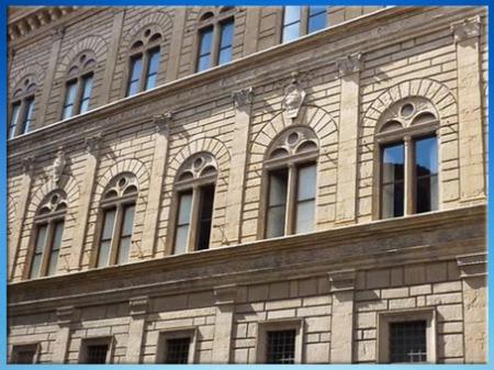 D'après le palais Rucellai, plans de Léon Battista Alberti, 1446, façade à refends, construction Bernardo Rossellino, 1446 -1451, Florence, Quattrocento, Renaissance italienne. (Marsailly/Blogostelle)