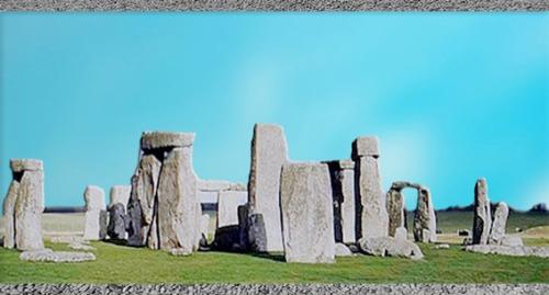 D'après les mégalithes de Stonehenge, entre 3700 et 1600 avjc,  Avebury, Angleterre, néolithique et âge du Bronze. (Marsailly/Blogostelle)