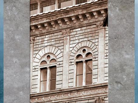 D'après le palais Rucellai, plans de Léon Battista Alberti, 1446, fenêtres à deux baies, construction Bernardo Rossellino, 1446 -1451, Florence, Quattrocento, Renaissance italienne. (Marsailly/Blogostelle)