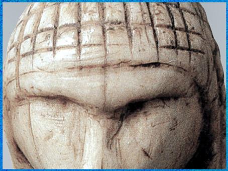 D'après la Dame de Brassempouy, détail, ivoire de mammouth, vers 22 000 avjc, Landes, France, paléolithique supérieur. (Marsailly/Blogostelle)